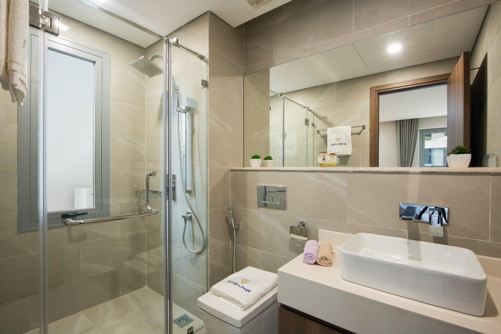 nhà mẫu chung cư riverapark phòng wc
